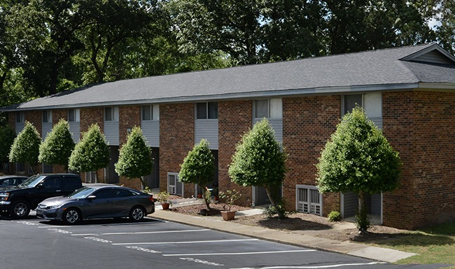 Exterior image of Glendale Apartments